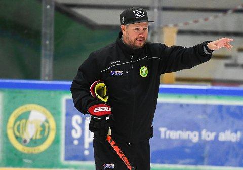 ENGASJERT: Fredrik Glader er godt i gang med sitt trenervirke i Comet. I neste uke spilles første treningskamp, og fortsatt teller stallen bare 15 spillere.