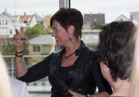 SANGRIA:  Karina Lange er dirigent for Sangria som synger i Torvastad kirke søndag.