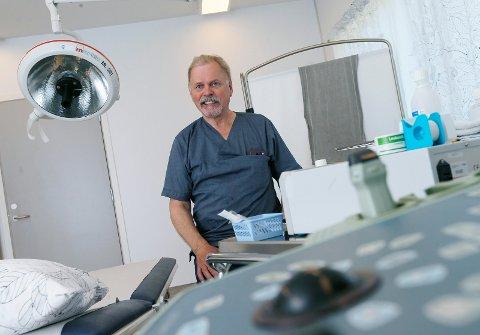 PENSJONERER SEG Urolog Arve Gustavsen ved URO sør på Ekrene går av med pensjon.