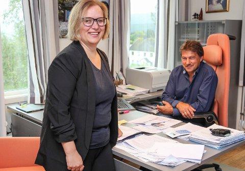 Det er bare en smal gang mellom Ivan Hauglands og Camilla Maria Vågans kontorer. Han tar seg av politikken mens hun skal sørge for at  administrasjonen leverer.