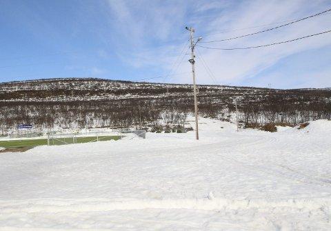 Større anlegg: Etter planen skal skiarenaen i Jakobselv utvides med både skiskytteranlegg og rulleskianlegg. Men ingenting vil bli gjort før finansieringen er på plass.