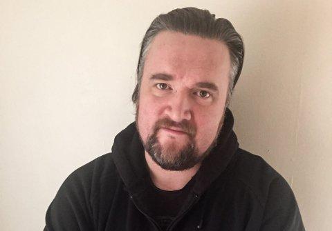 BLIR I FINNMARK: Ketil Steigen(43) har fått ny jobb i fylkeskommunen, og forteller at han trives godt i Finnmark.