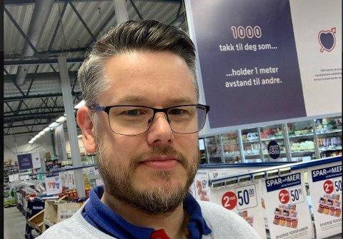 OVERSKUDD: Fritz Isaksen er godt fornøyd med fjorårets resultat for Rema1000 Veisletta. Resultatet viser 600 000 kroner i overskudd etter at Isaksen tok over butikken.