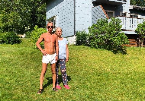 Dramatisk: Finn Roger Olsen (71) og kona Merja Olsen (66) er tydelig oppskaket etter hendelsen som de ble utsatt for midt på lyse dagen søndag 21. juni.
