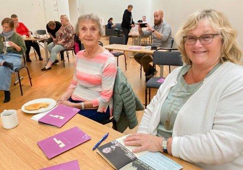 FRIVILLIG: Ann Sylvi Jensen og Eli Sætereng er to av kulturhusets frivillige hjelpere.