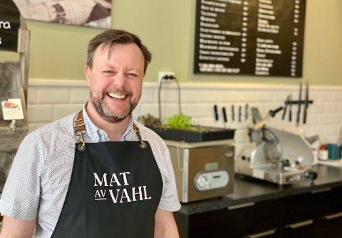 Håkon Vahl fortsetter som eier daglig leder for sentrumsavdelingen når MAT av Vahl nå åpner nytt utsalg på Amfi Kanebogen.