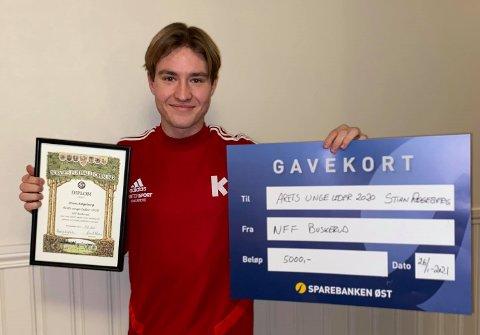 ÅRETS UNGE FOTBALLEDER: Stian Røgeberg, KIF, ble kåret til Årets unge fotballeder av Buskerud Fotballkrets.