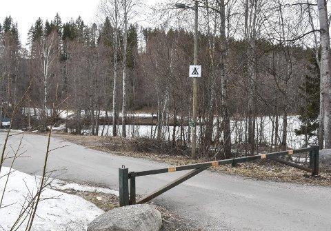 Sikkerhetshensyn: Parkeringsplassen ved Damtjern er stengt gjennom hele russetiden.