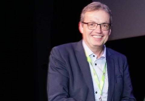 GRUNN TIL Å SMILE: Jon Håvard Solum og kollegene i Grong sparebank har lagt bak seg et nytt godt år.