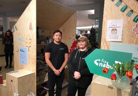 Lørdag var det Julius fra JCP event og Marie fra Oslokollega som bemannet pop-up butikken Fra Nabo'n på Lambertseter senter.