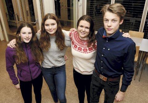Senterungdom: Kjersti Heringstad, Kamilla Steinehaugen Pladsen, Monika Steinehaugen Pladsen og Semon Harerusten utgjer delar av styret i det nystifta Sel og Heidal Senterungdom.