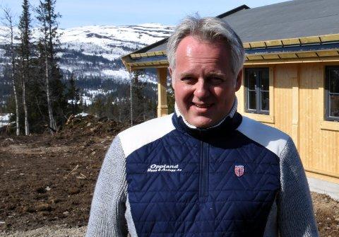 FLYTTET: Geir Helge Frøslid har flyttet fra Nordre Land til Brandbu. Dermed kan han ikke lenger være med i politikken i hjembygda - på godt og vondt