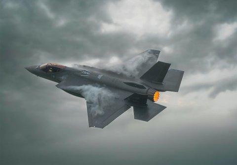 Norges nye kampfly F35 deltar også i øvelsen.