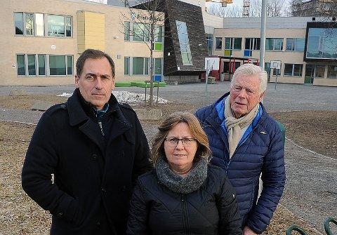 FÅTT SVAR: Per Ulv Haukeland (Frp), Anne Kristine Linnestad (H) og Gunnar B. Vegsgaard (Pp) har nå fått svar fra Fylkesmannen på lovlighetskontrollen de ba om.