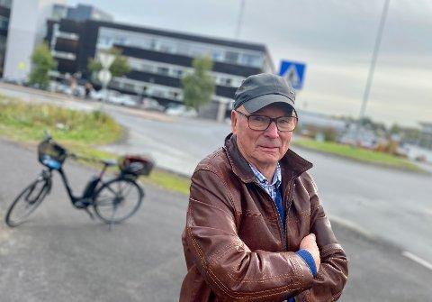 """KRITISK TIL """"SYKKELBYEN"""": Ski-mannen Steinar Finholt er bekymret for den trafikale situasjonen i Ski, og mener langt mer burde vært gjort for å skape den sykkelbyen Nordre Follo kommune har vedtatt at Ski skal være."""
