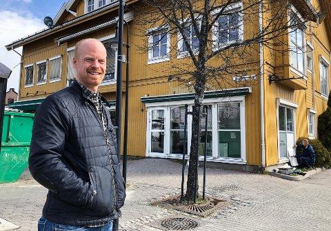 FLYTTER INN: Åsmund R. Håndstad og God Rygg Kiropraktikk er klar for Lokket i Elverum.