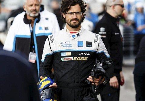 DYKTIG: Prins Carl Philip av Sverige beskrives som en dyktig og habil racingfører.