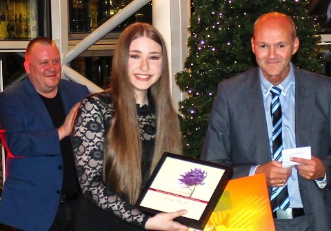 Anna Anita Yaskiv fikk tildelt Helgeland Sparebanks kulturstipend for 2017 under et kundearrangement i banken torsdag kveld.