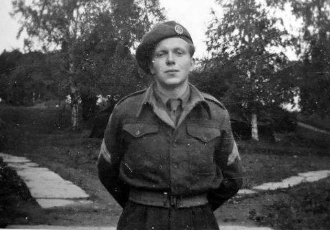 Ivar Bergiton Iversen under arbeidet i Tysklandsbrigaden 1952 - 1953.