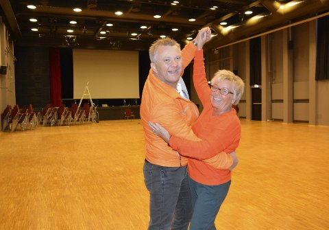 Klare: Kjetil Bjørnhaug og Anne Kari Christensen inviterer til dansefest i Teatersalen 2. juledag.Foto: Gaute Freng