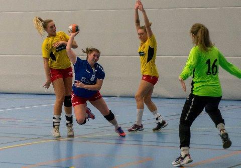 GOD PÅ STREK: Malin Vågen slet seg til sju scoringer for HSK i en tung kamp mot Hokksund.