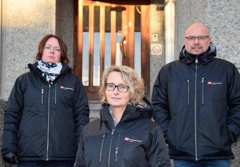 KRITISK LAV: Hege Bjerknes, Bente Anita Bråthen og Ole Johan Mala er svært bekymret for bemanningen i Ringerike kommune. Etter mange år med innsparinger og nedbemanning mener de at grunnbemanningen er kritisk lav.