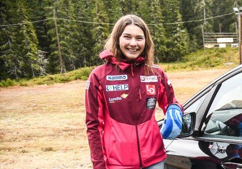 PASSE FORNØYD: Silje Opseth ble nummer ni i verdenscup-åpningen i 90-metersbakken i Ramsau i helgen..