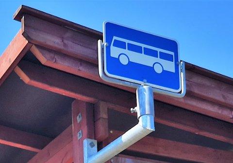 FÅ AVGANGER: Busstilbudet mellom Slemmestad og Røyken er svært begrenset i skoleferien.