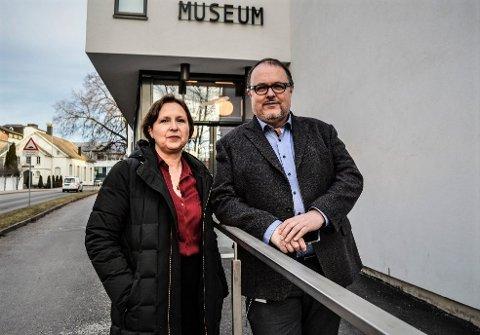 FORT STENGT: Direktør i Vestfoldmuseene, Lene Walle, og avdelingsdirektør ved Hvalfangstmuseeet, Dag Ingemar Børresen, kan ikke annet enn å håpe at koronasituasjonen skal bedre seg snarlig, slik at de kan åpne dørene til museet igjen.