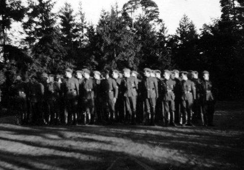SOLDATER: Tyske soldater ved Greåker fort.