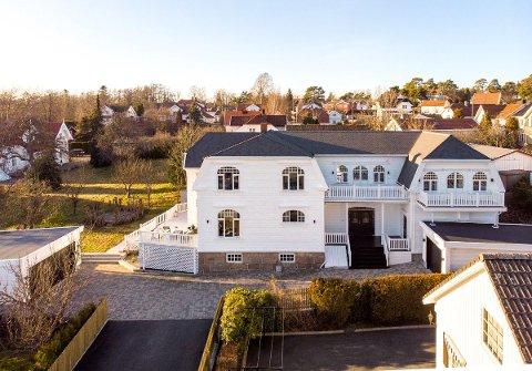 Nå er denne fasjonable eiendommen solgt for 12,5 millioner kroner.