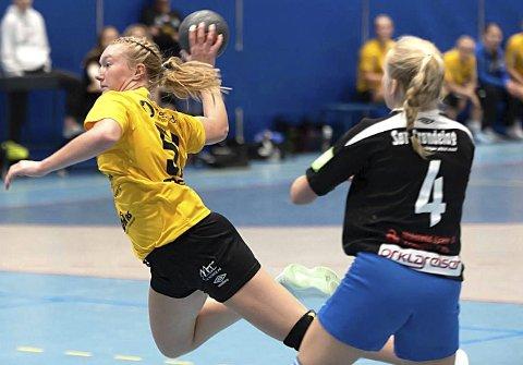 TOPPSCORER: Emma-Helene Hågensen Høyning ble toppscorer for 16-årslaget i helgen. Både HK Eidsbergs J16 og G16-lag kvalifiserte seg for Bringserien, mens J18-laget vant sin kvalpulje for Lerøyserien med to strake seire på hjemmebane i Eidsberghallen.