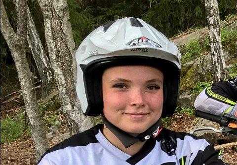 TATT UT: Ingeborg Lindberg Bergersen fra Askim er tatt ut på et satsinglag i trial. Hun er eneste jente i teamet og den aller yngste.