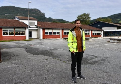 ELEVFLYTTING: Lasse Nag, prosjektleder for bygg og eiendom i Strand kommune, har funnet en løsning som han mener er den beste.Arkivfoto: Roar Larsen