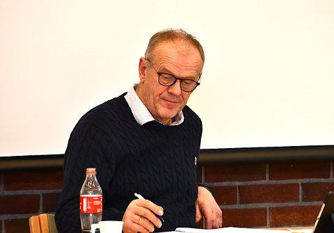 SKULLE VORE PÅ PLASS: Bjørn Laugaland meiner delar av fortauet alt skulle ha blitt bygd då nabofeltet blei etablert.
