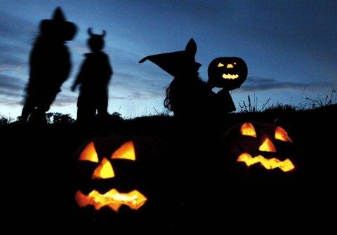 Noen elsker det, andre hater det: Halloween er både omstridt og populært. Men vet du egentlig bakgrunnen for feiringen?