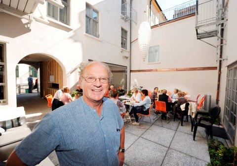 """""""INNAFOR"""": Roger Wahlstrøm var daglig leder i Kontorbygg fram til 2015. Han mener det har vært forsvarlig å bruke penger på reiser for styret, ansatte og pensjonister."""