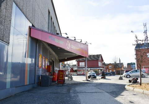 FLYTTER HIT: I dag ble det klart at vinmonopolets utsalg i Porsgrunn flytter til Jernbanegata 3.