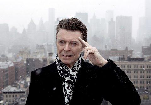 David Bowie døde 10. januar 2016 av kreft. Her er han i HBO-dokumentaren om hans siste fem år, som var å se på denne tiden i fjor. Foto: Jimmy King / HBO / AP