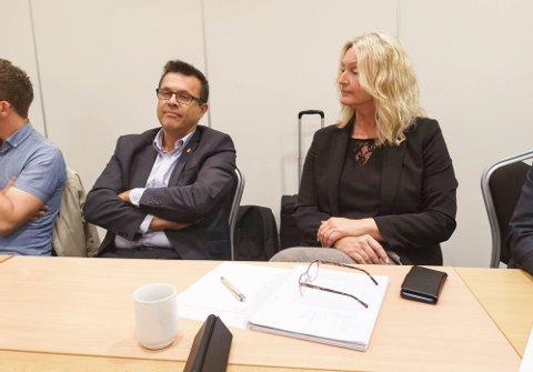 Ap og Sp går i samtaler etter at FrP trakk seg - her representert ved Frank Sve (FrP) og Tove-Lise Torve (Ap).