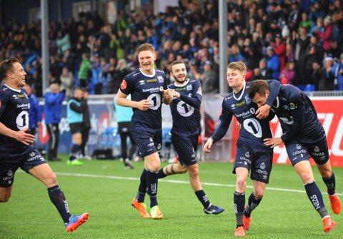 Benjamin Stokke (nummer to fra venstre) gikk til danske Randers i 2018 etter å ha vært god for KBK. Nå har den tidligere KBK-spissen fått seg ny arbeidsgiver. Dette bildet ble tatt da KBK slo Haugesund i 2017-sesongen. Stokke scoret og ble kåret til banens beste.