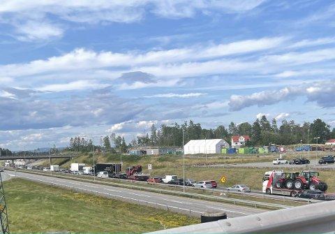 ULYKKE: Totalt tre trafikkulykker skjedde på E18 tirsdag ettermiddag.