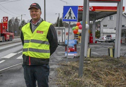 Påskeaksjon: Dag Øygarden driver Circle K stasjonene i Fiansvingen. Fredag får han og kollegene besøk av NAF. Arkivfoto