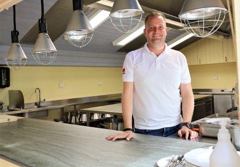 TØRKE: Preben Moen, regionsansvarlig for Classic Norway Hotels, forteller at koronakrisen har ført til nasjonal kokkemangel. – Det er en stor krise at vi ikke greier rekruttere nok kokker til bransjen, sier han.