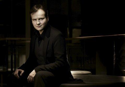Kommer: Tor Espen Aspaas byr på en unik konsert i Drøbak kirke lørdag. oto: Tevje Akerø