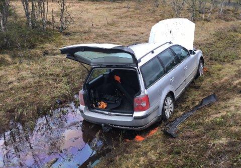 Bilen med to personer kom kjørende i sørgående retning da ulykken skjedde.