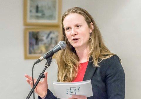 Mari Sundli Tveit med klare ord på 8. mars-markering i Ås: - Kvinners kamp for likestilling og rettferdighet fortsetter!