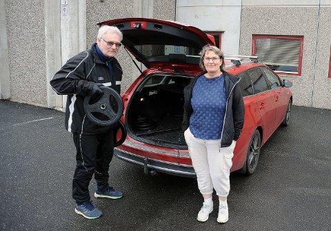FORNØYD: Knut Mikkelsen og kona Unni Hestsveen er strålende fornøyd med utlånstilbudet.