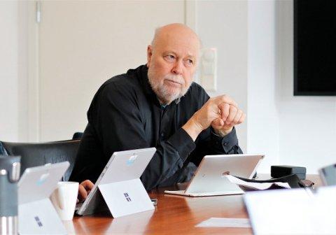 KOMMUNEOVERLEGE: Hans Petter Torvik seier busseselskapet har følgt alle smittevernreglar.