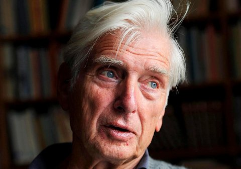 BLE COVID-SMITTET: Samfunnsforskeren og SV-kjempen Ottar Brox (88) var døden nær på grunn av Covid-19. Han har blitt helt frisk igjen. Bildet er tatt ved en annen anledning.